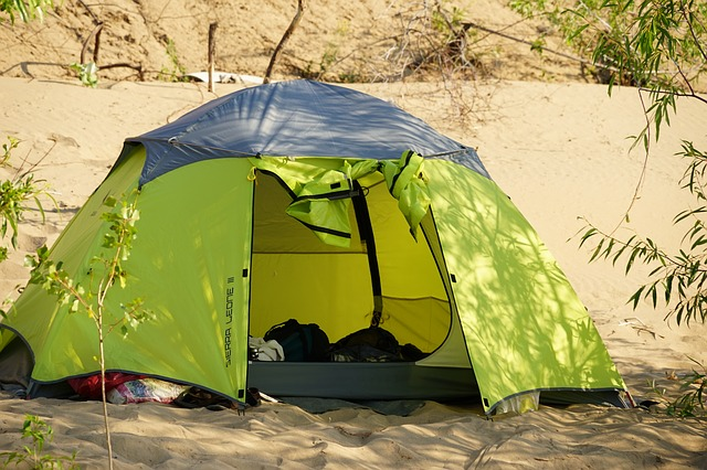 The Best Beach Tents & Why…